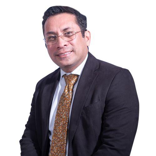 Dr. Ricardo Salas Flores